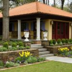 country-house-with-white-columns