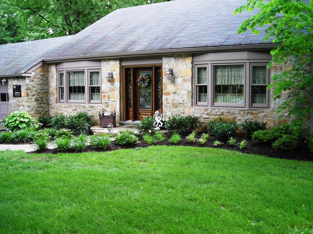 landscaping-ideas-for-front-of-house-shade
