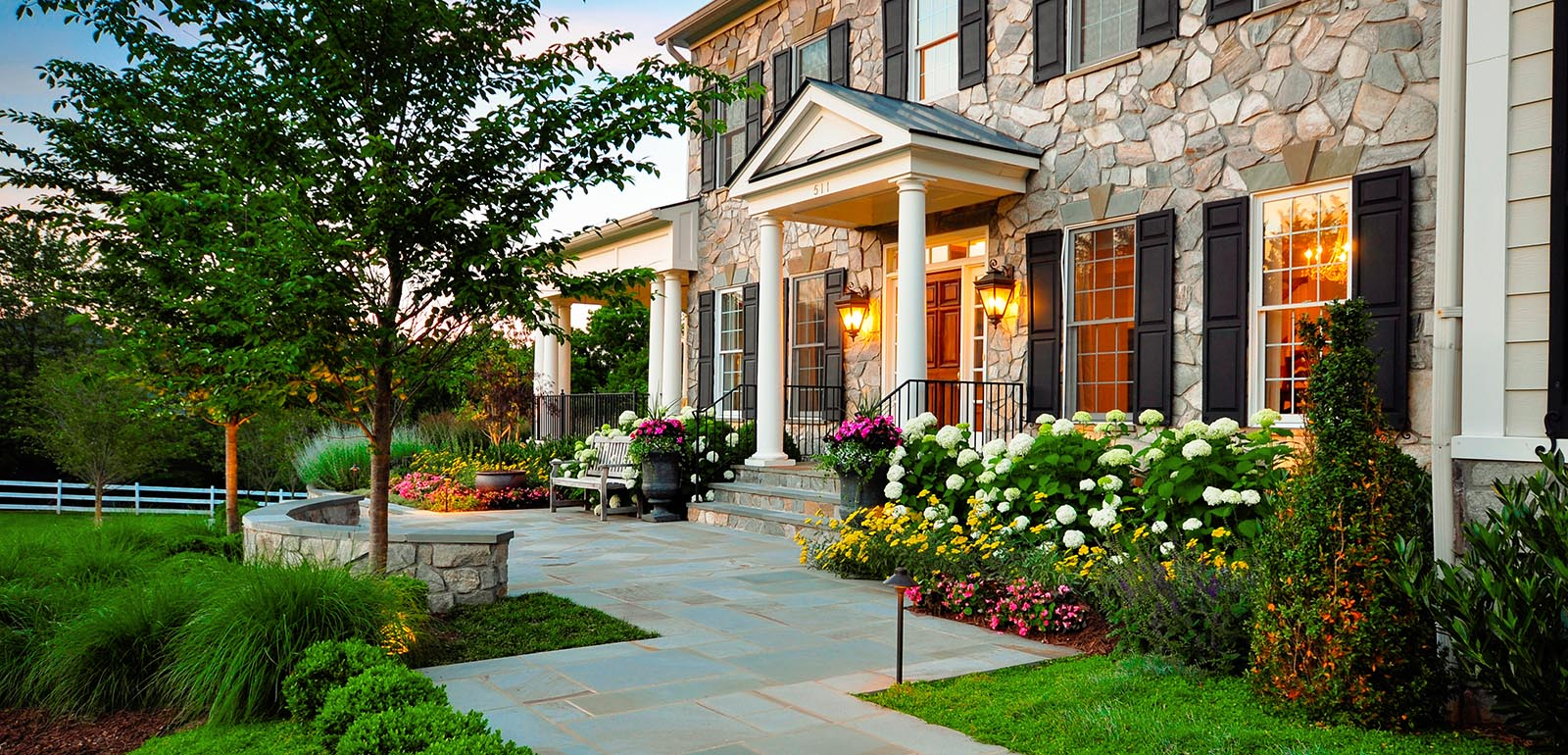 simple-landscaping-ideas-for-front-of-house