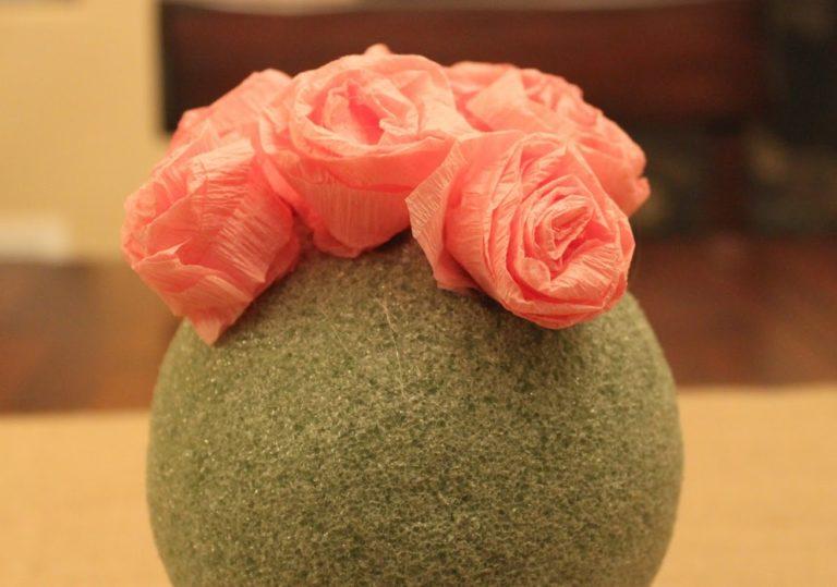 Роза из гофрированной бумаги своими руками для топиария