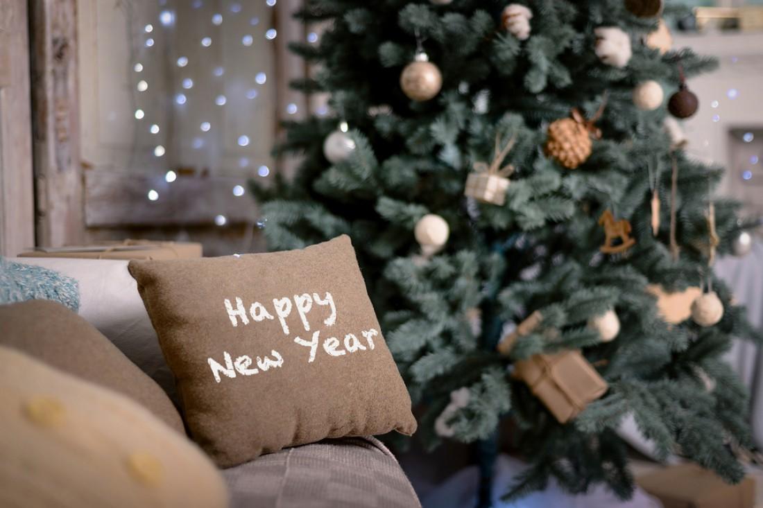 Украшаем комнату на новый год фото