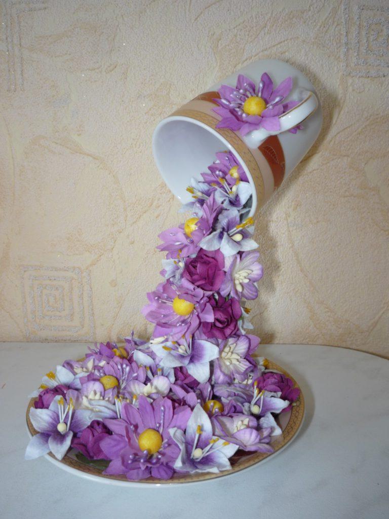 Цветы из кружки водопады своими руками