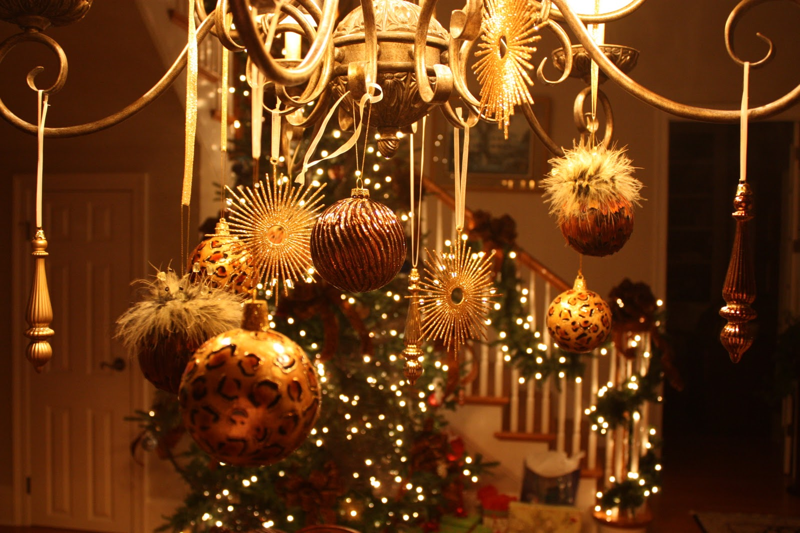 christmas-chandelier-a