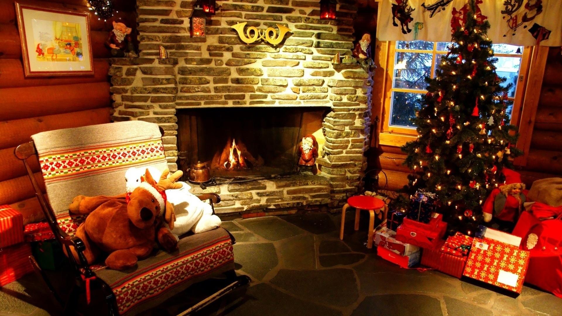 christmas-interior-fireplace-decor-11611