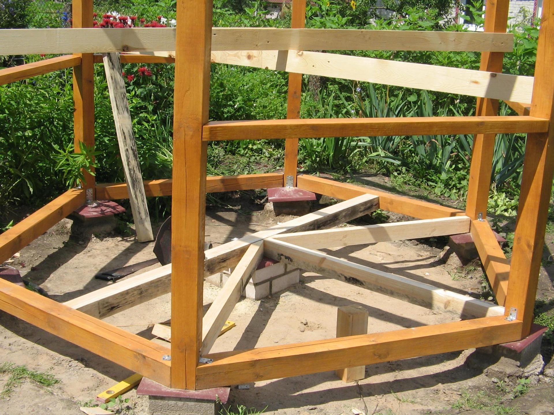 Как сделать деревянную беседку