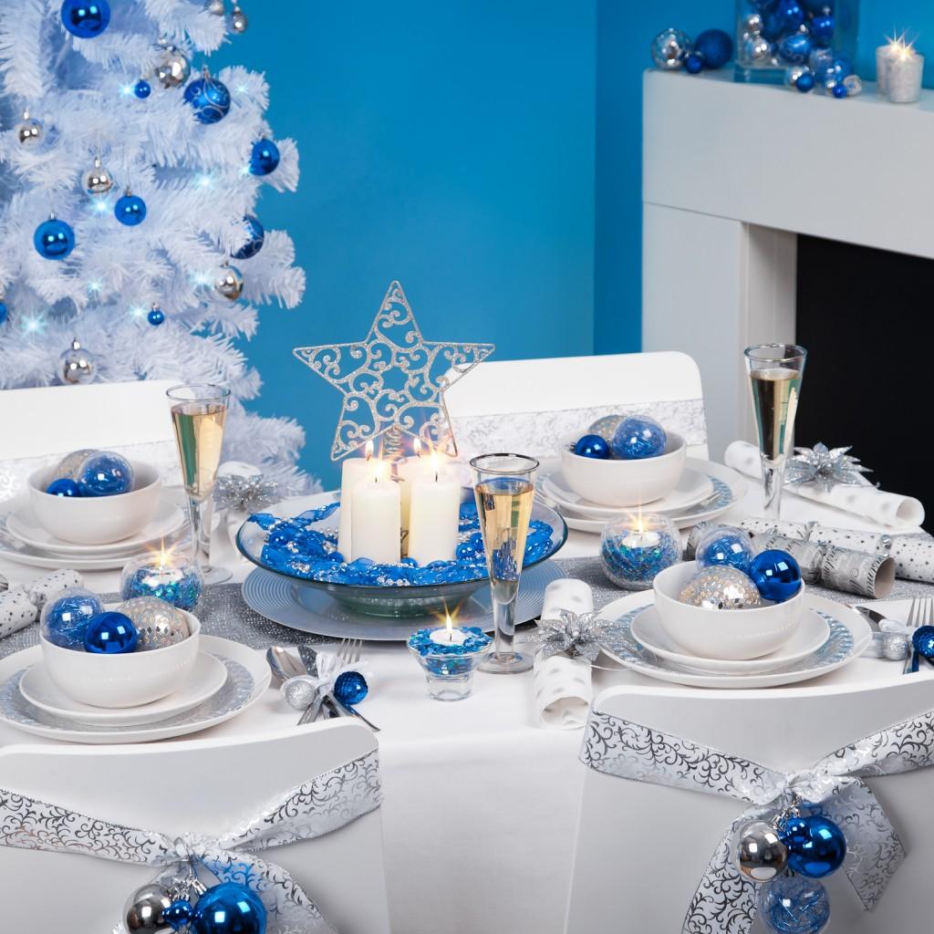 novohodnyj-stol-v-zymnem-style-1024x1024
