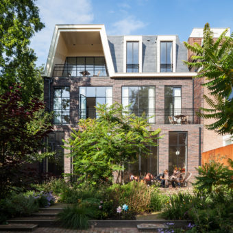 townhouse-kralingen-rotterdam-paul-de-ruiter-chris-collaris-former-private-museum-energy-neutral-architecture_dezeen_sq