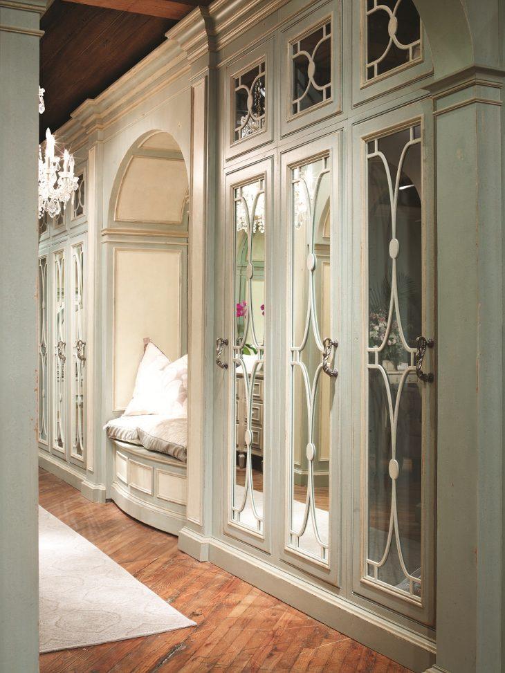 мебель для гардеробной комнаты