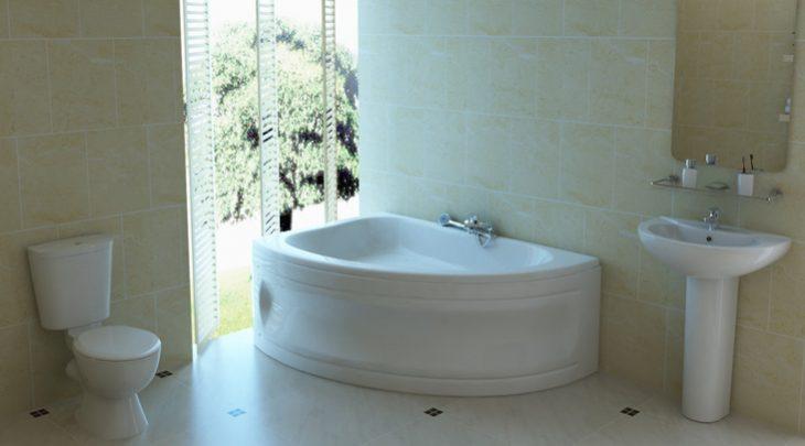 угловая ванна в интерьере ванной