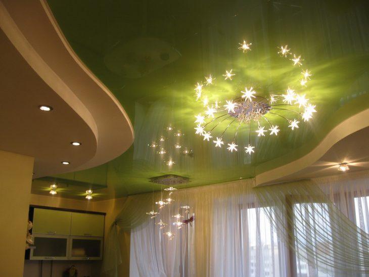 натяжные потолки в гостиной фото дизайн