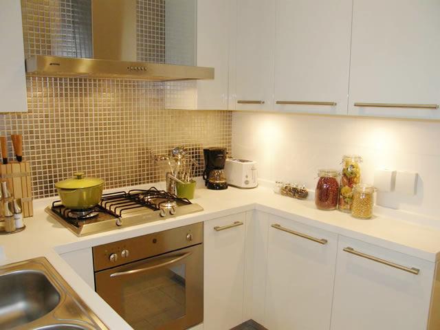 классические кухни маленькие