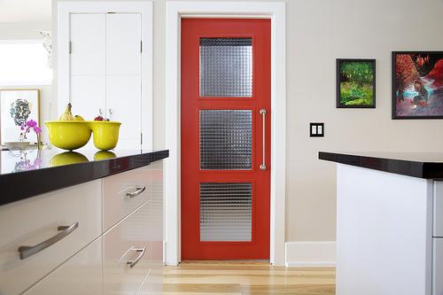 Современный стиль межкомнатных дверей - 45 фото дизайна