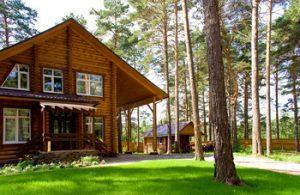 Прелести жизни в загородном доме poisk55.ru