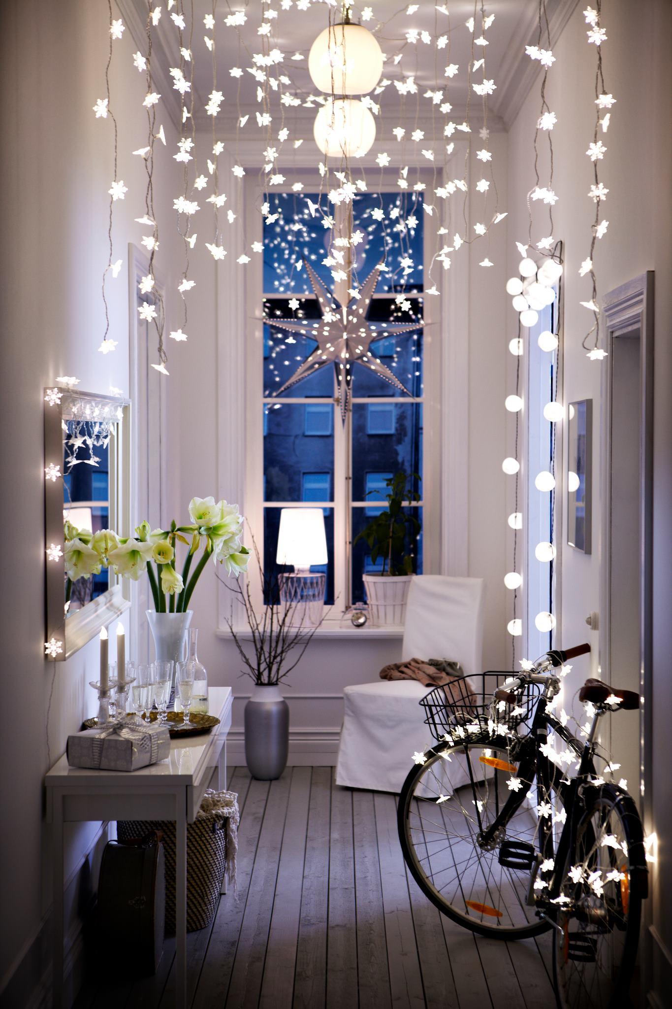 Как украсить квартиру новому году