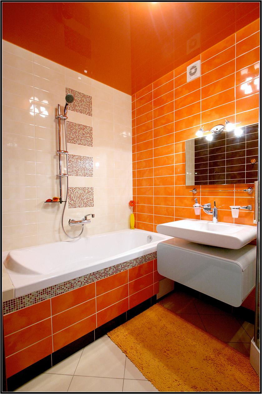 Ванна угловая дизайн в оранжевых тонах