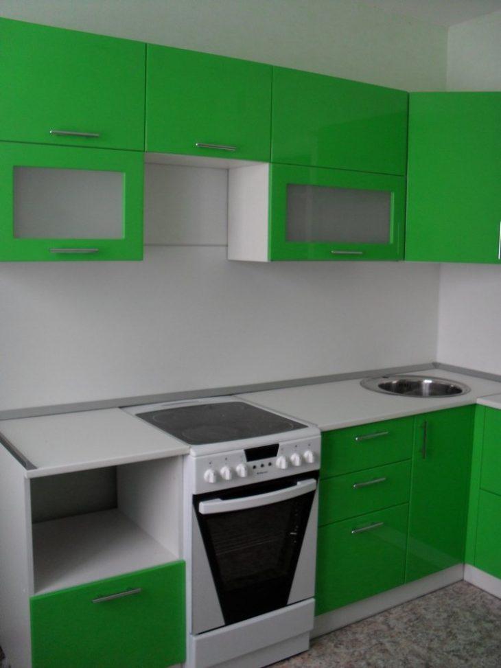 Практичная встраиваемая кухонная мебель