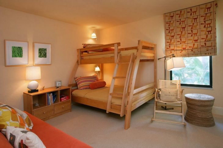 спальная кровать двухъярусная