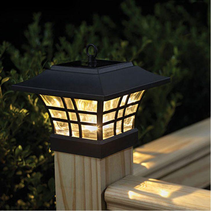 садовая лампа на солнечных