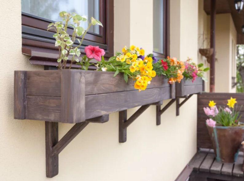 горшки на перила балкона