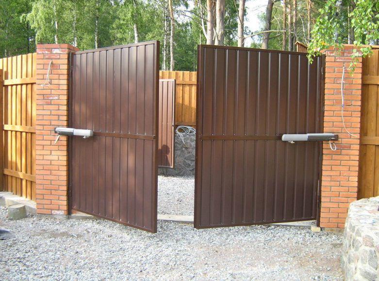 въездные ворота в частный дом