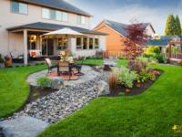 Обустройство двора частного дома – лучшие фото идеи от известных дизайнеров