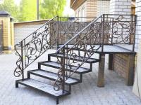 Крыльцо и лестница для дома