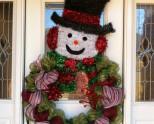 Украшение дверей на Новый год: несколько интересных идей (57 фото)