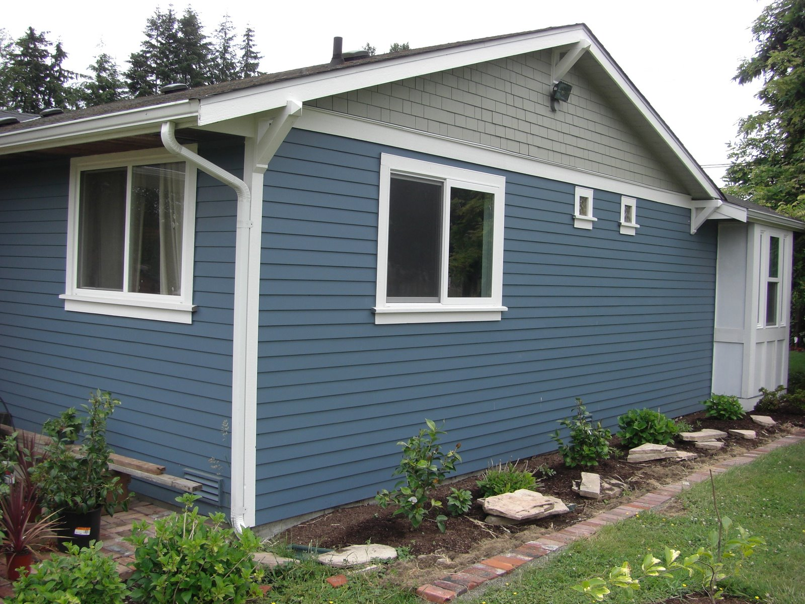 bryans house siding 022
