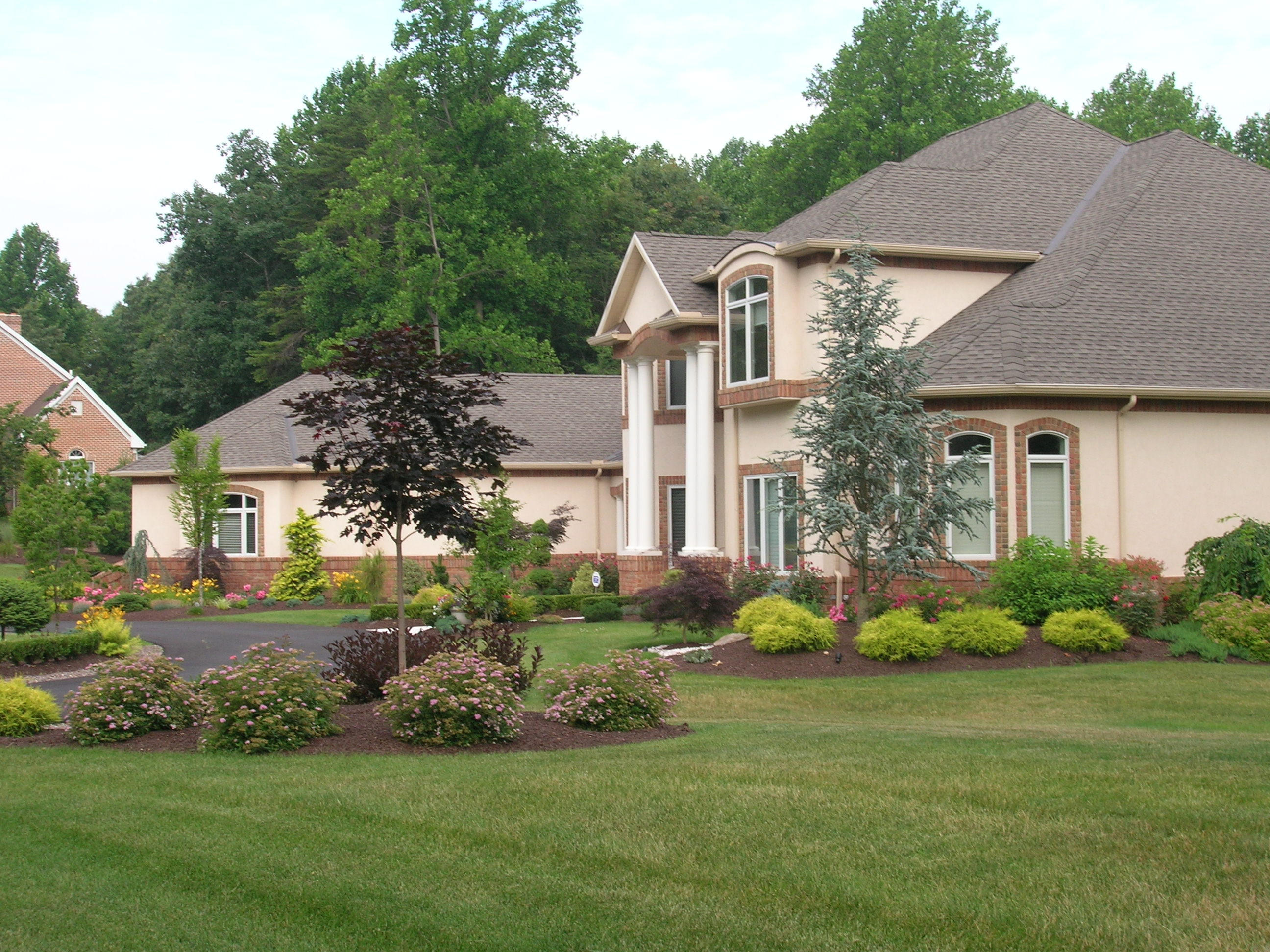 beautiful-landscaping-ideas-front-of-house-pictures