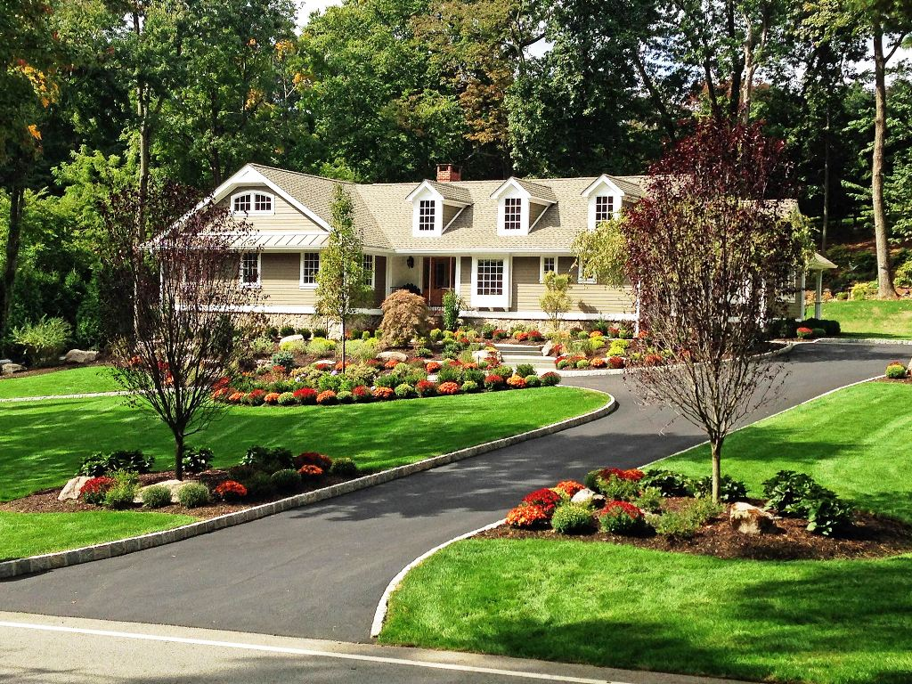 landscaping-ideas-front-house-driveway