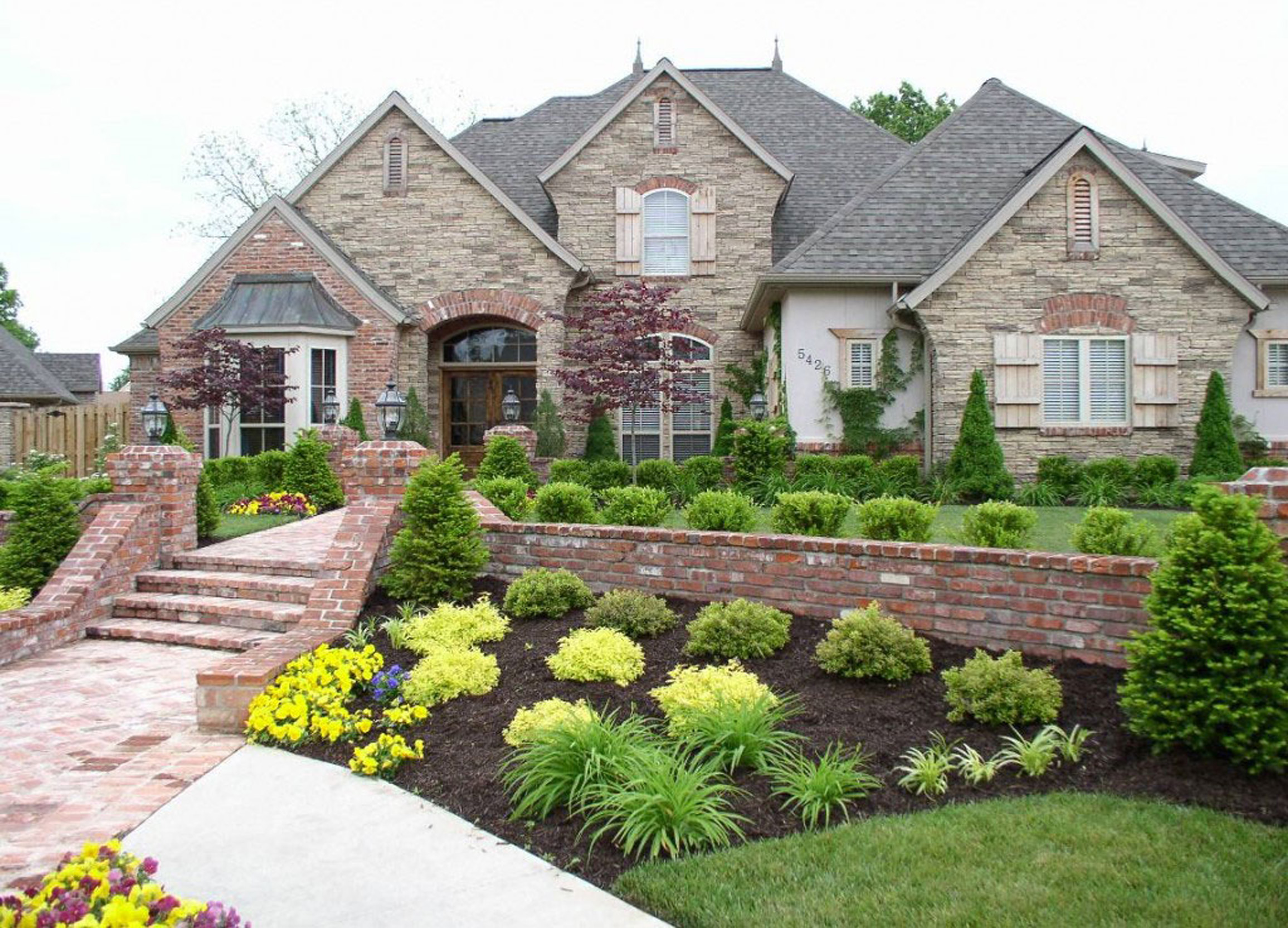 architecture-endearing-luxury-and-classic-house-landscaping-ideas-landscaping-photo-for-home