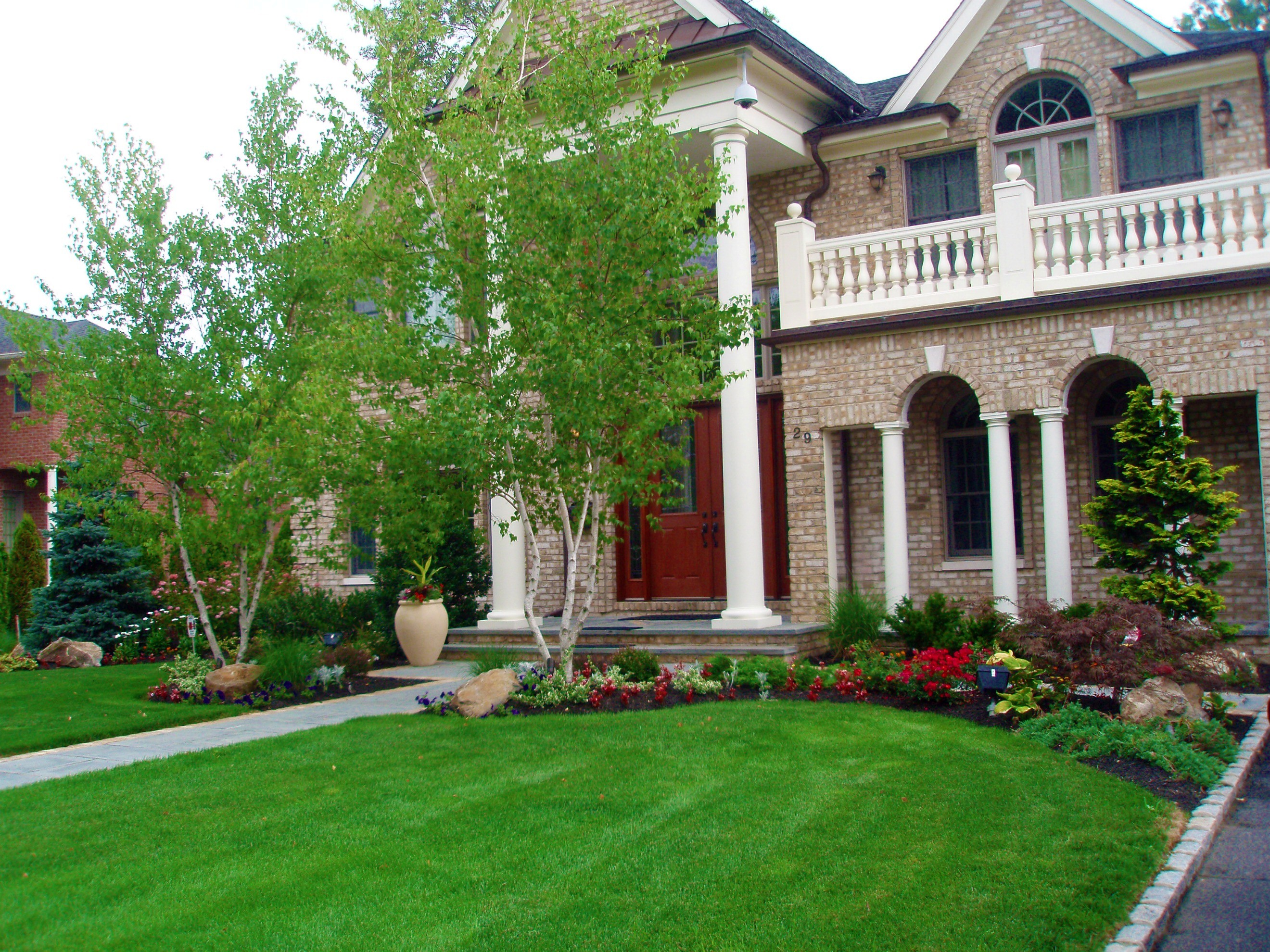 landscaping pictures for front of house