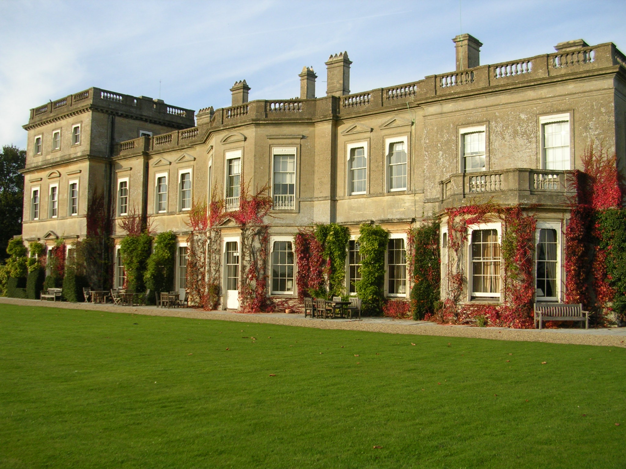 18th_century_mansion_built_of_bath_stone-_with_italianate_alterations