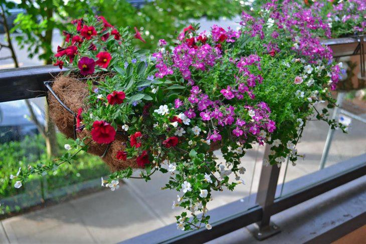 балконный держатель для цветов