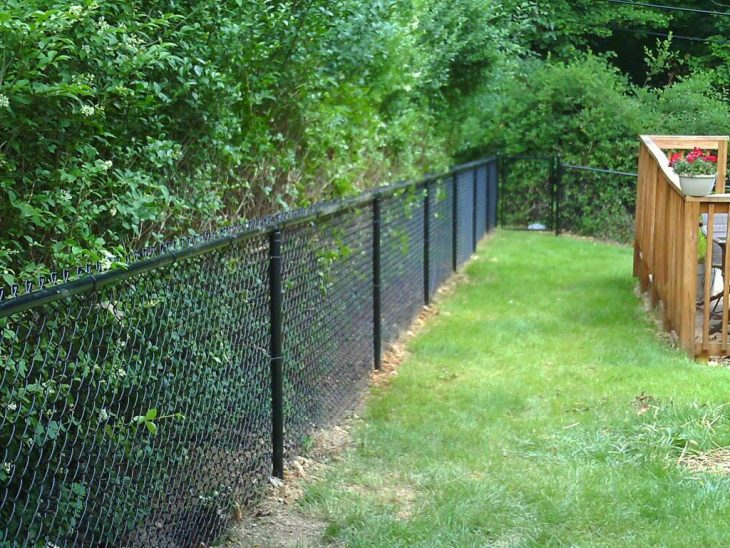 какие заборы можно строить на садовом участке