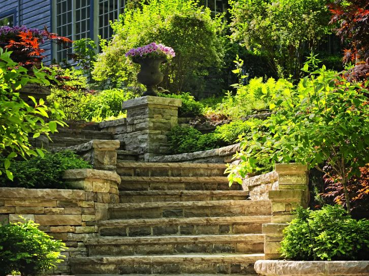 садовая лестница из бордюров
